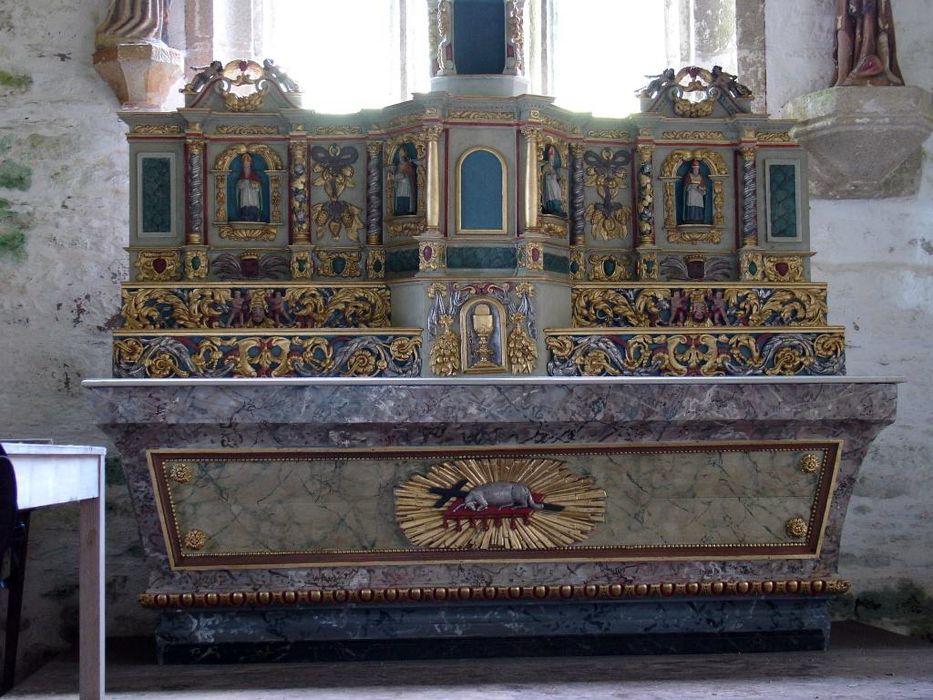 Maître-autel ; gradins ; tabernacle