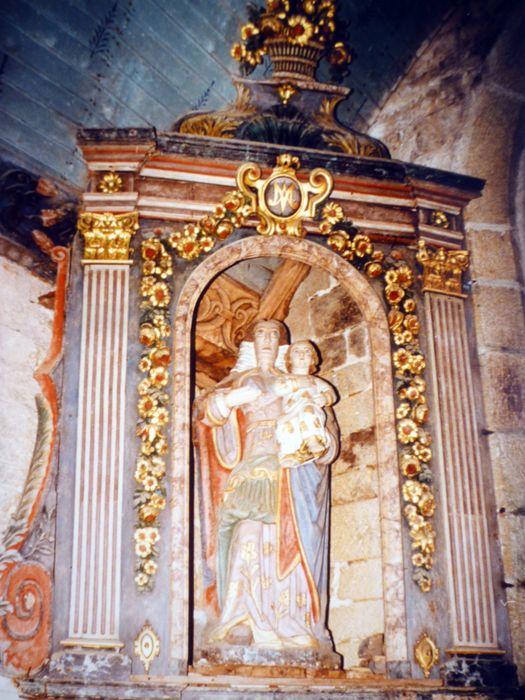 2 niches ; 2 statues : Saint Germain ; Vierge dite Notre Dame de Tréguron