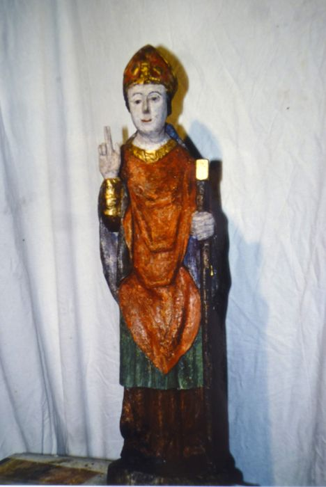Statue : Saint évêque non identifié