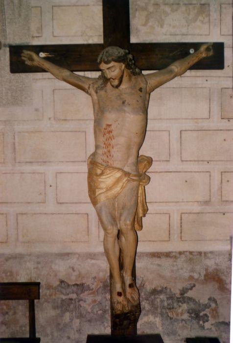 statue : Christ en croix n° 2