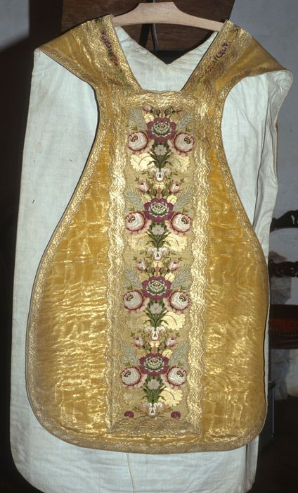 chasuble (ornement doré)