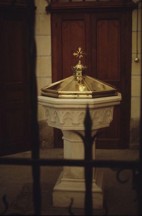 fonts baptismaux (cuve baptismale)