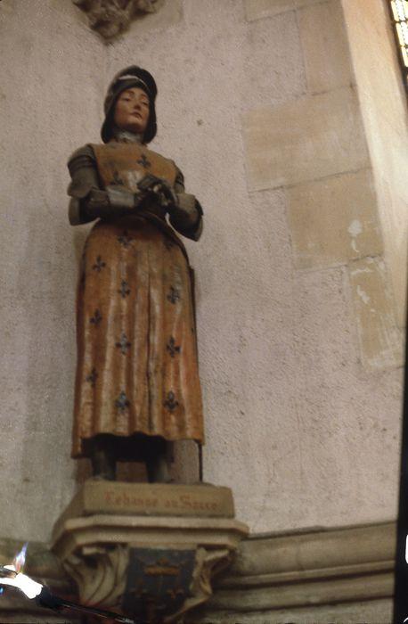 statue : Sainte Jeanne d'Arc