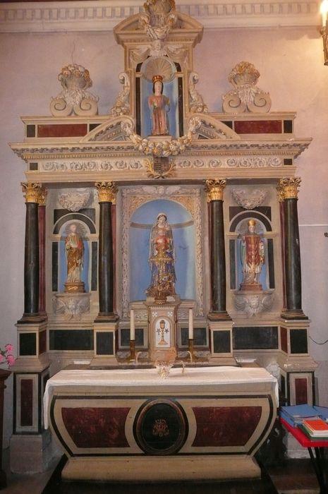 autel, tabernacle, retable,  statues : Saint Pierre, Saint Jouan, Vierge à l'Enfant et Sainte Catherine