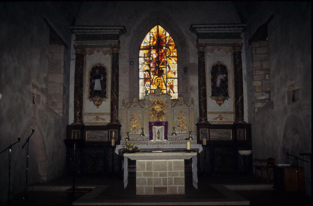 autel (maître-autel), devant d'autel (contre-table), retable, statues, consoles