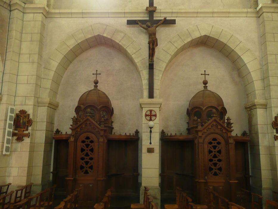 Trois confessionnaux