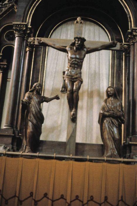groupe sculpté : Christ en croix, la Vierge et saint Jean