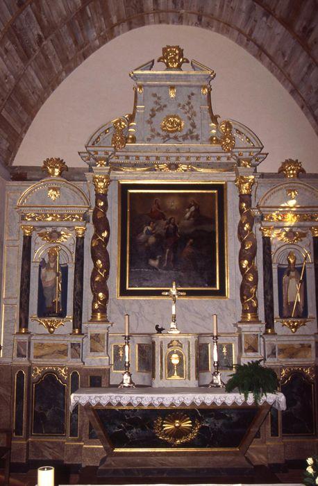 autel (maître-autel), retable, tableau : Accueil de saint Aubin au paradis, statues : Saint Aubin et Saint Eloi