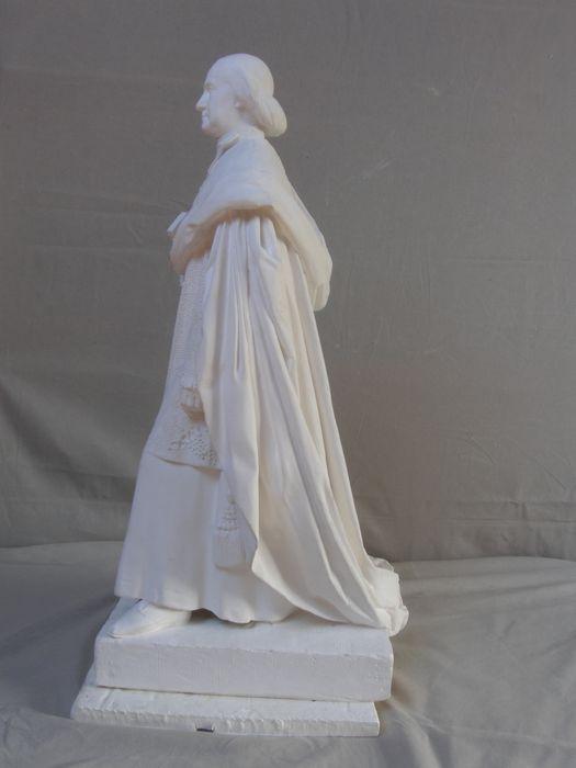 statue : Monseigneur Hyacinthe-Louis de Quélen, profil gauche, vue générale