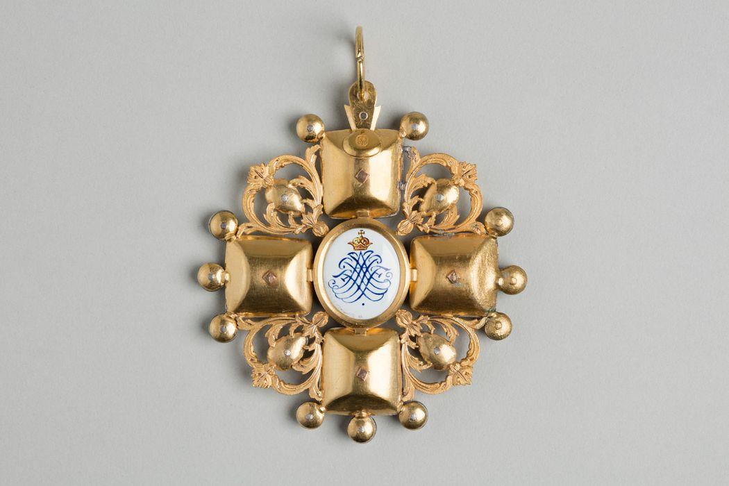 décoration du prince de Talleyrand (grand-croix) : Ordre de Sainte-Anne de Russie, revers, vue générale