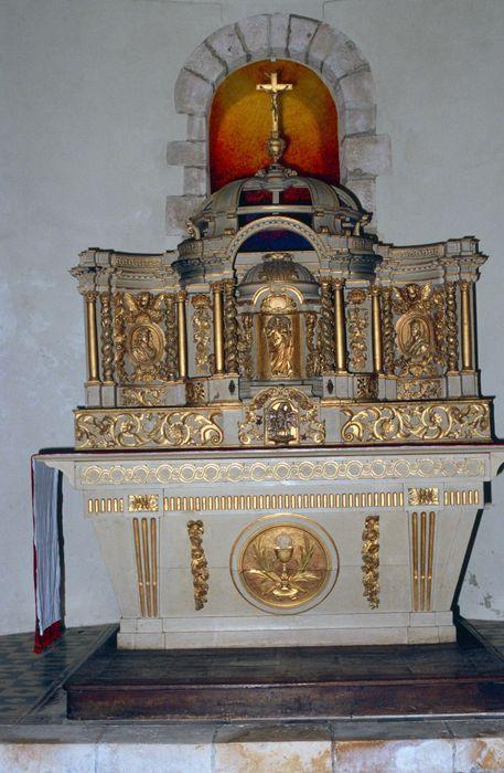 Autel, tabernacle et retable