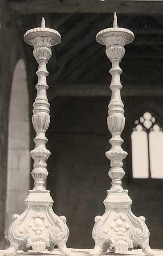6 chandeliers