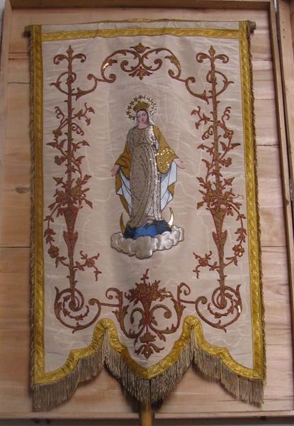 Ensemble de trois bannières de procession : Vierge à l'Enfant, Vierge de l'Assomption et sainte Radegonde