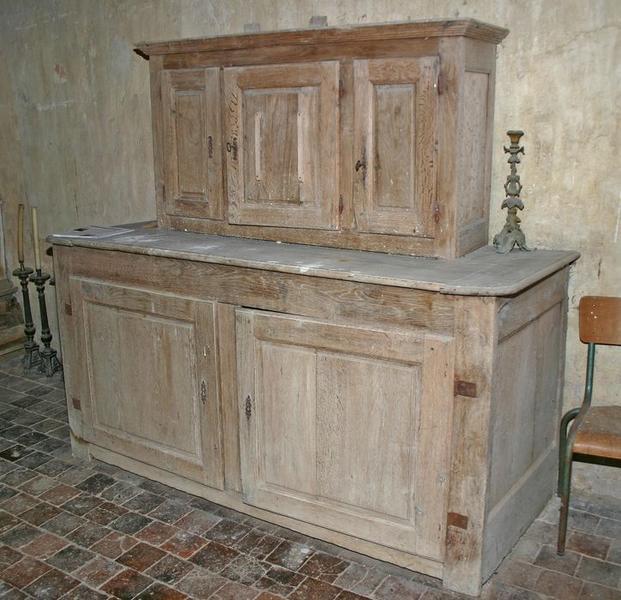 Meuble de sacristie (armoire de sacristie)