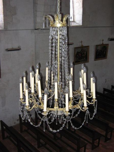 Quatre lustres d'église