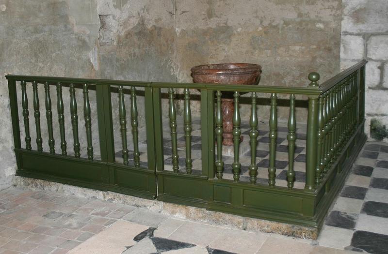 Fonts baptismaux (cuve baptismale) et leur clôture (balustrade)