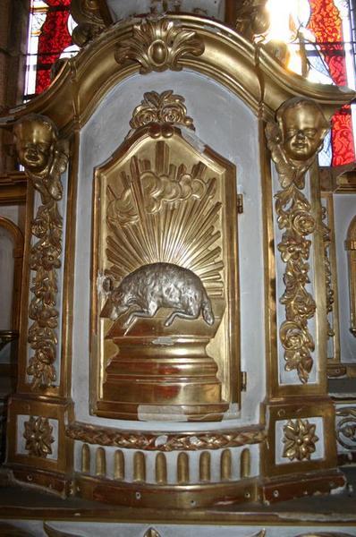 Tabernacle à ailes du maître-autel.