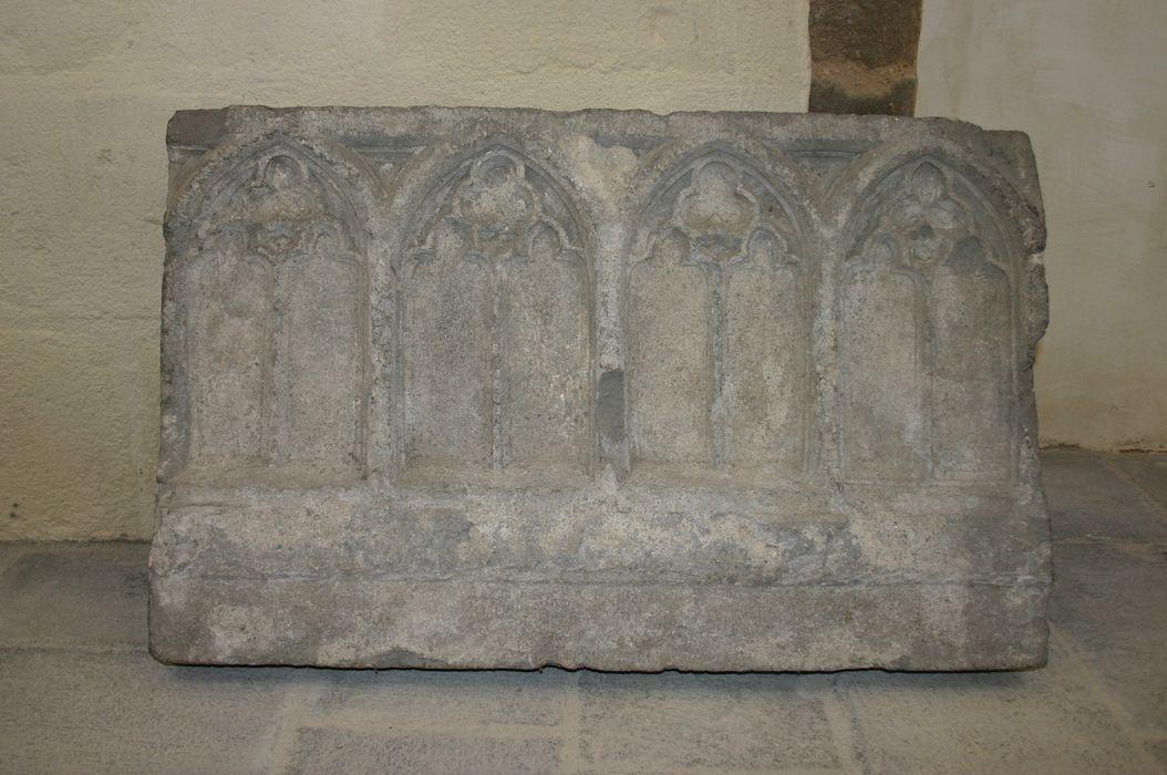 Bas-relief : Arcatures