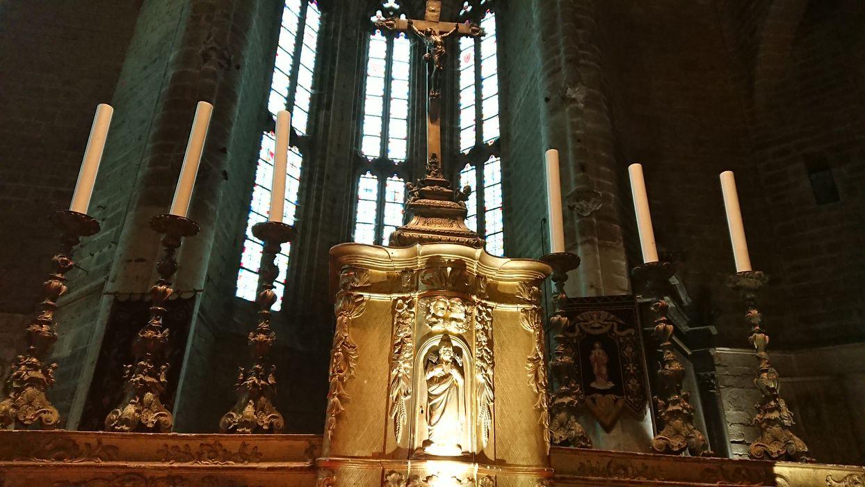garniture d'autel : 6 chandeliers d'autel, croix d'autel