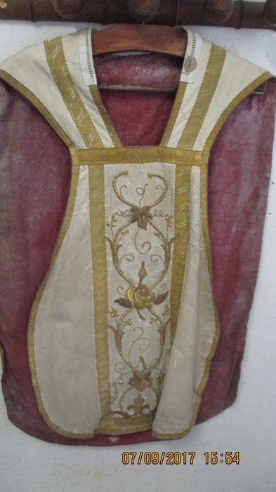 ornement liturgique : chasuble