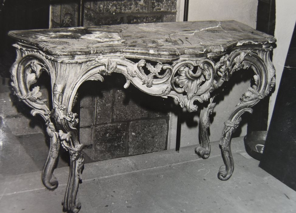 console, style Louis XV