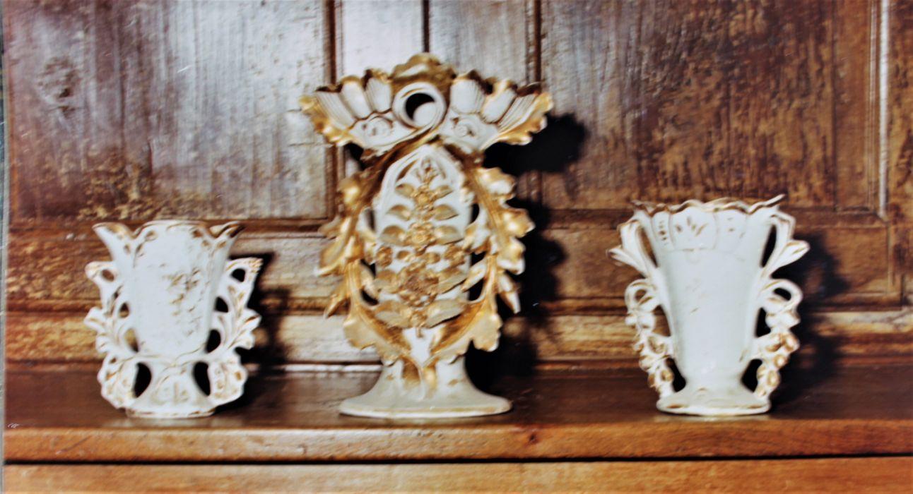 Trois vases