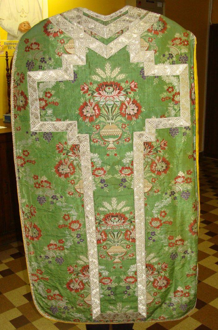 Ornement liturgique : chasuble, étole