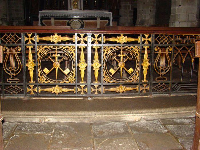 Clôture de choeur, clôtures des chapelles Sainte-Marguerite-d'Antioche et du Sacré-Coeur, et clôtures des autels de Saint-François-d'Assise, de la Vraie croix, de la Vierge et de Saint-Joseph