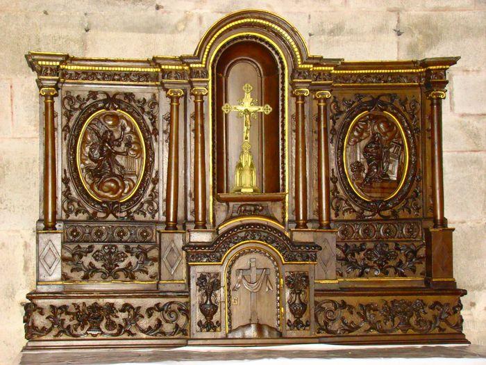 Tabernacle à ailes de l'autel de la Vraie Croix