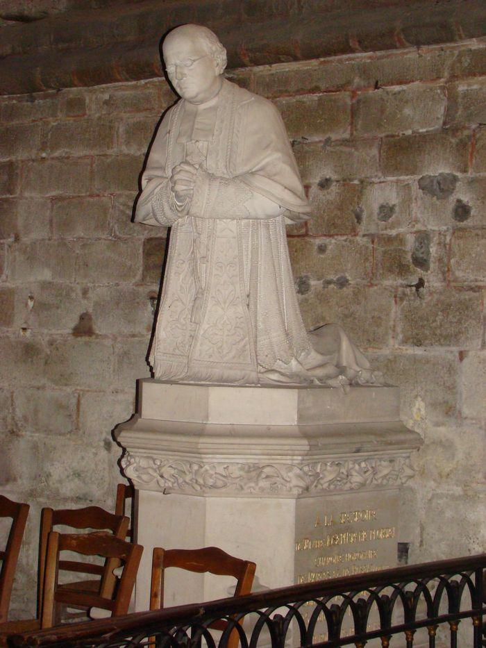 Monument funéraire de l'abbé Plormel