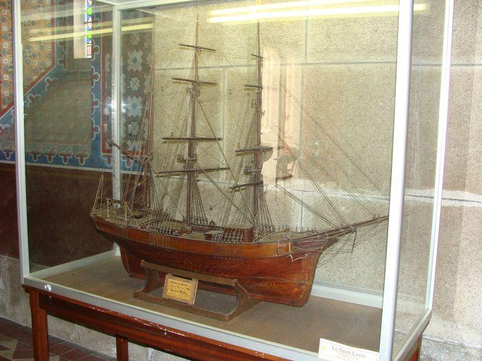 Ex-voto (maquette de bateau) dit le Saint-Louis