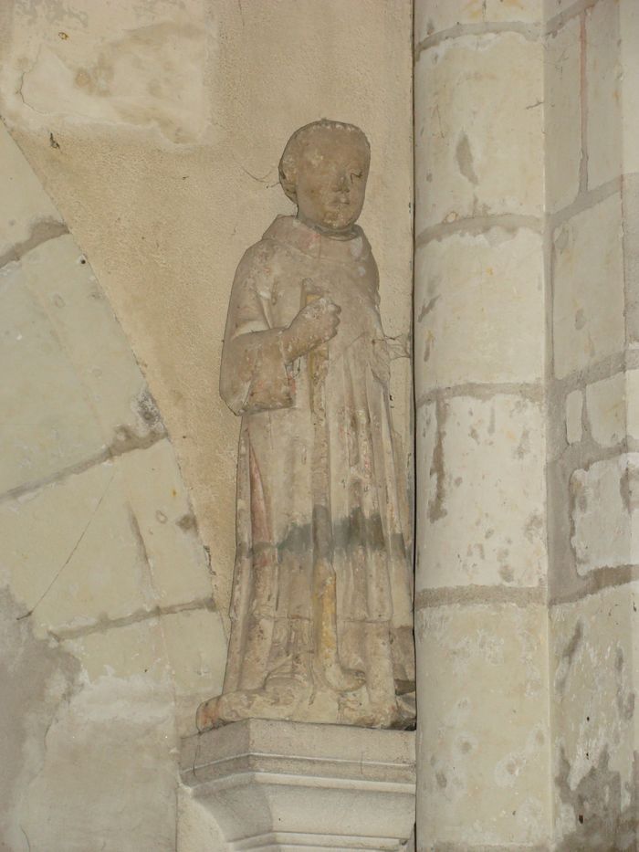 Statue : Diacre tenant un fouloir