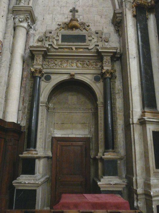 Tombeau de l'évêque Jean du Mas