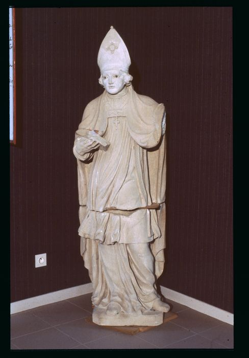 statue : Saint Aignant