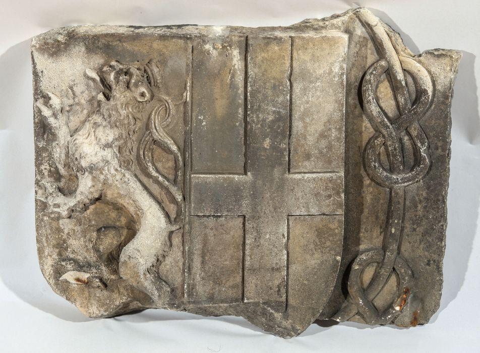 bas-relief :Aarmoiries de Marguerite de Savoie