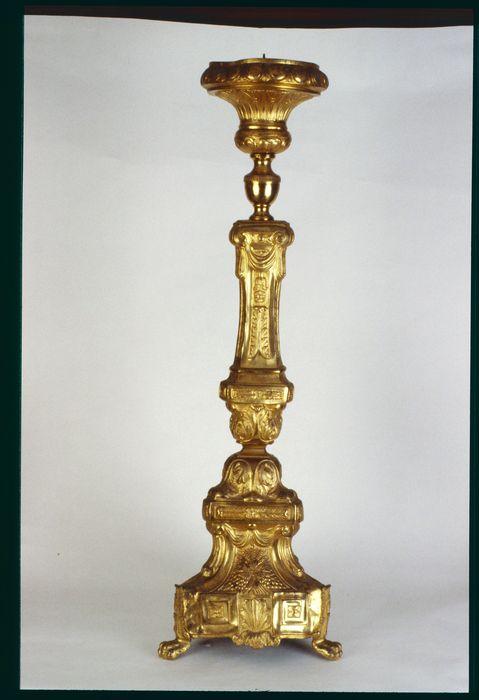 chandelier du maître-autel