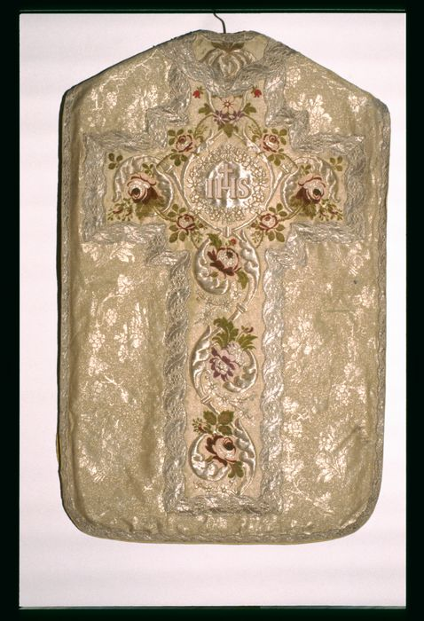 chasuble (ornement or)
