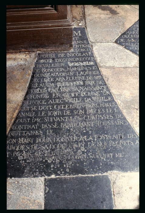 plaque funéraire (inscription funéraire) en mémoire d'Anne-Catherine de Montigny de Gongis, comtesse de Gondrecourt