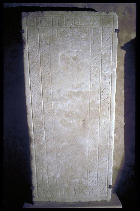 dalle funéraire  de Jean Lequeu, receveur à la prévôté d'Hattonchâtel