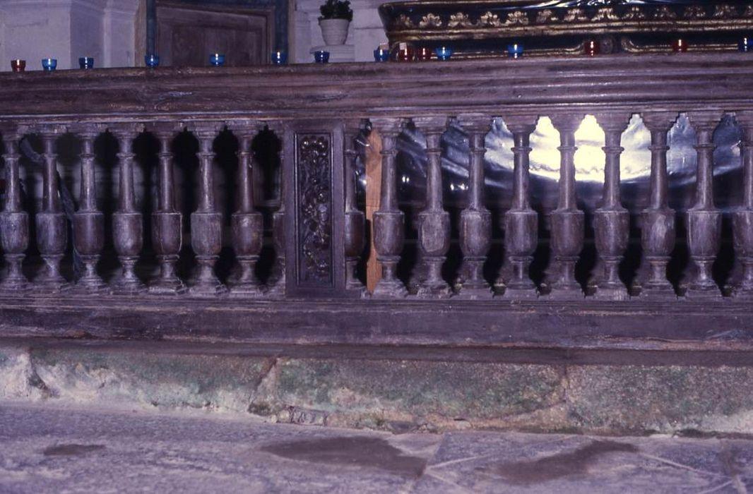 Clôture de choeur (barrière de communion)
