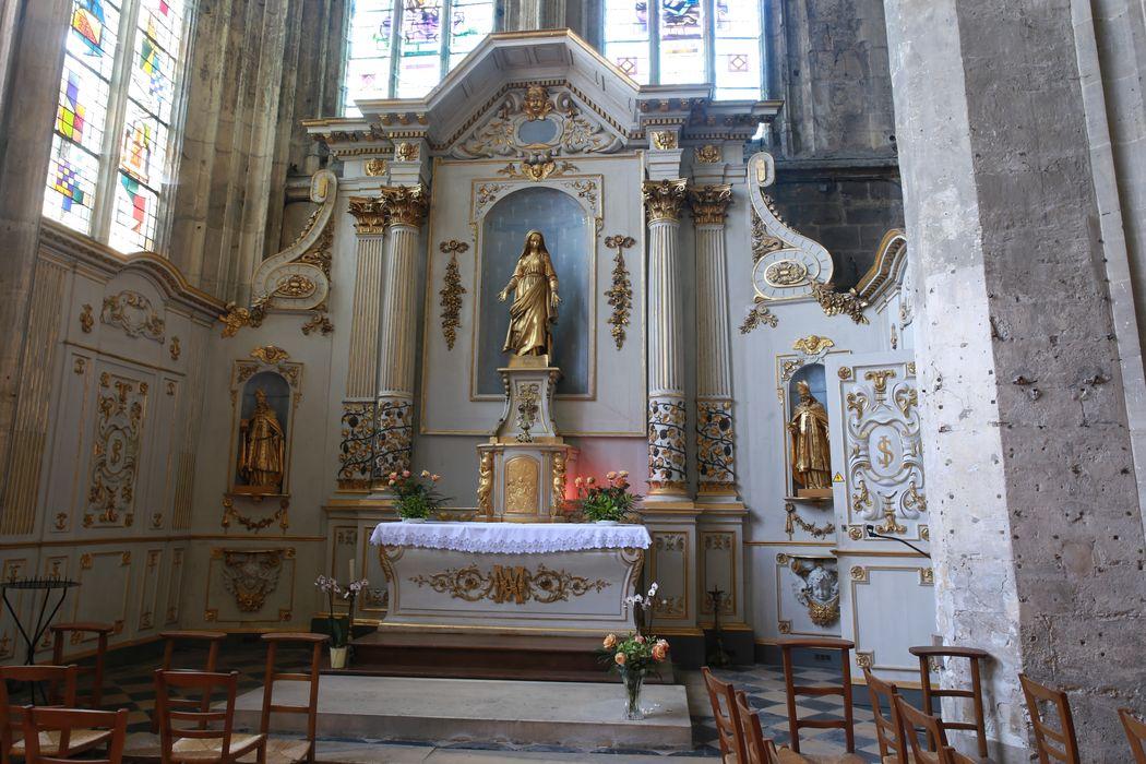 Retable, autel, lambris de revêtement (boiseries)