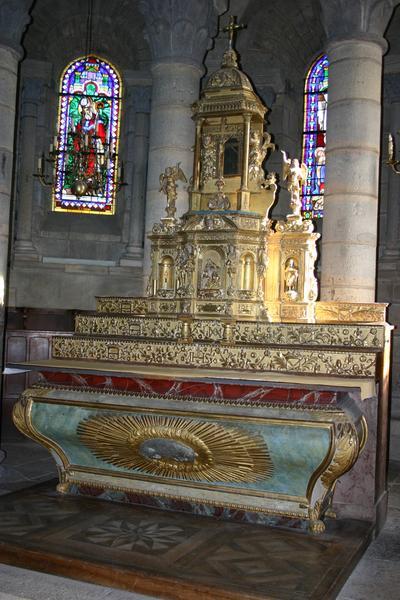 Autel, retable, tabernacle, exposition (maître-autel)