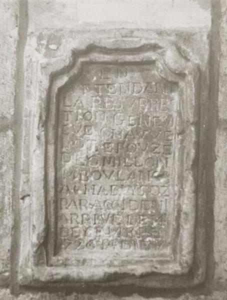 Plaque funéraire de Geneviève Chauvelot, épouse de G. Milon