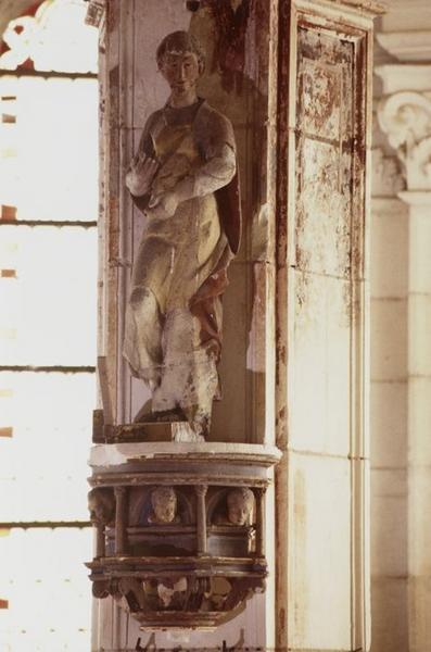 statue : Saint (saint Crépin ?)