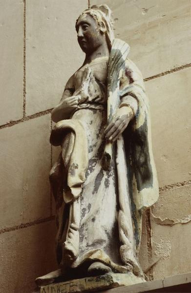 Statue : Sainte Sylvie