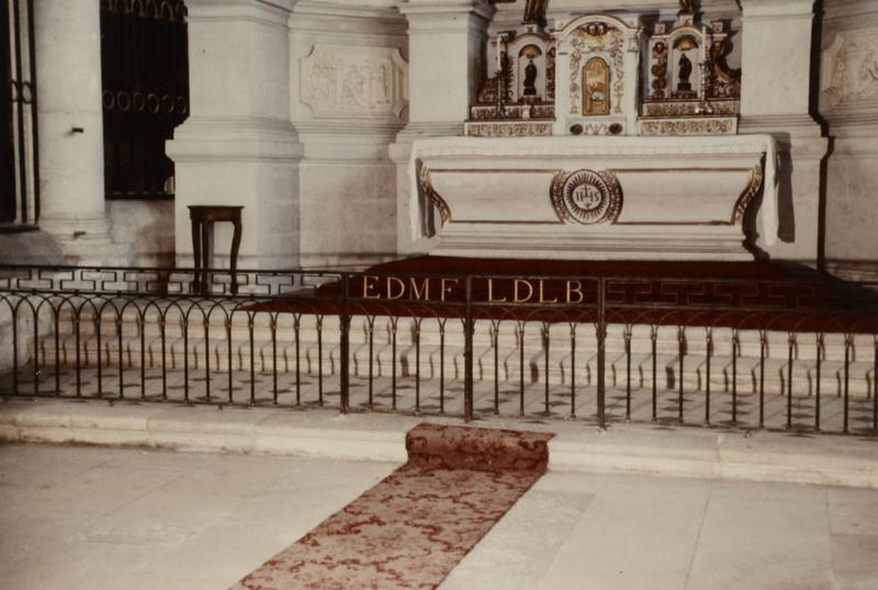 Clôture d'autel (table de communion)
