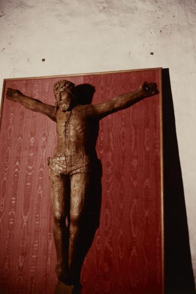 Statue : Christ en croix dit aux lépreux