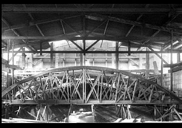 Charpente de la nef, vue de l'intérieur vers l'ouest