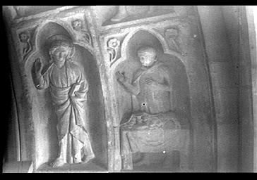 Haut-relief représentant la vocation de Saint-Matthieu, situé bas-c'té sud