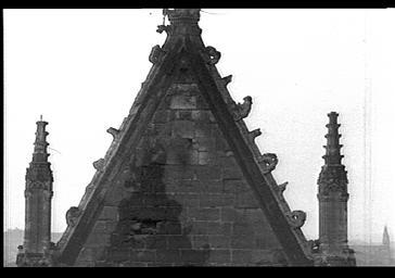 Revers du pignon du bras sud du transept